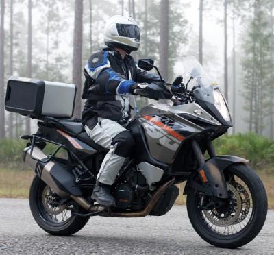 to-idaniko-tzaket-motosikletas-ta-4-vimata-gia-nato-dialexeis-mensdaygr.jpg2_.jpg